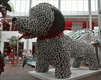 Dog made out of Dogs  Shoppingcentre Taipei