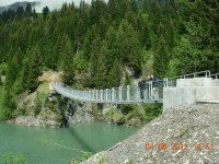 Bridge over alpin lake (Fr)