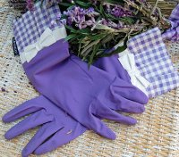 Pretty Purple Gardening Gloves