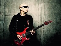 Joe Satriani - Guitarra